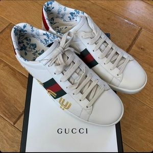 Gucci Ace Guccy Print Leather Sneakers